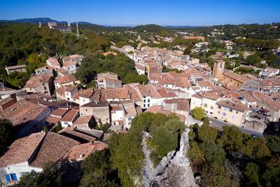 T-village-une_600x400